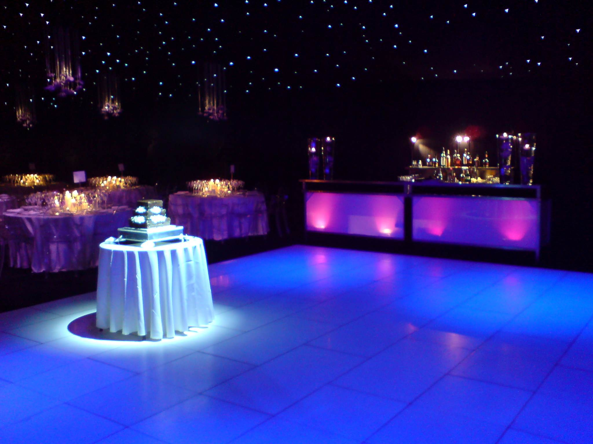 Wedding Hire - Wedding Cake on dancefloor