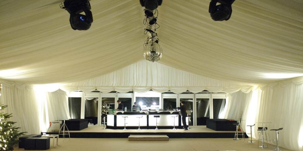 Accessories - Raised Bar with sofas above chequerboard dancefloor