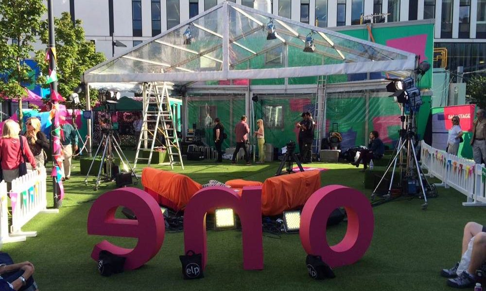 Clear roof - Clear structure for the One Show
