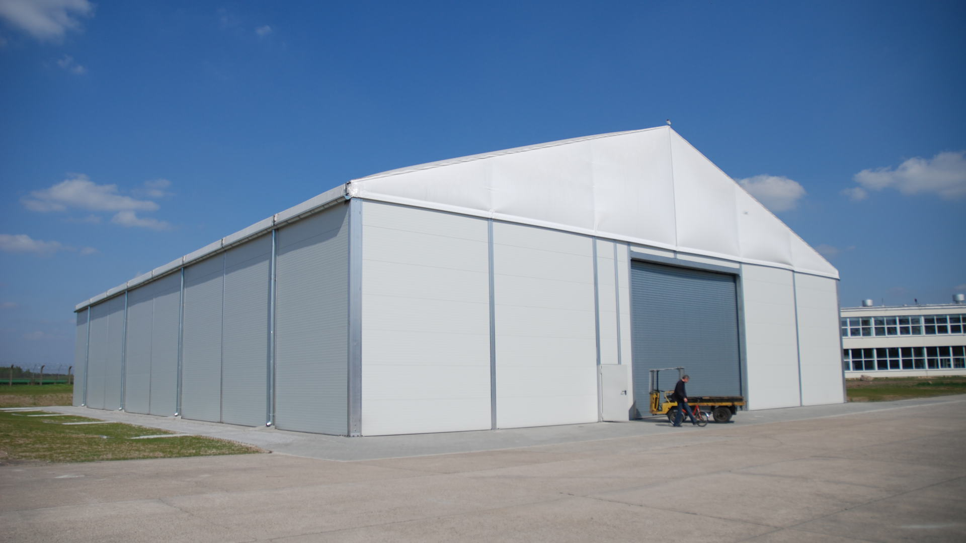 INDUSTRIAL STORAGE SOLUTIONS HIRE