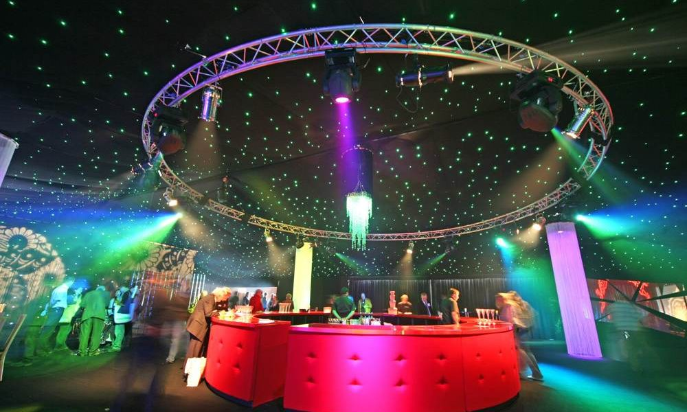 Lighting - Circular Truss in 25m wide structure with black starcloth
