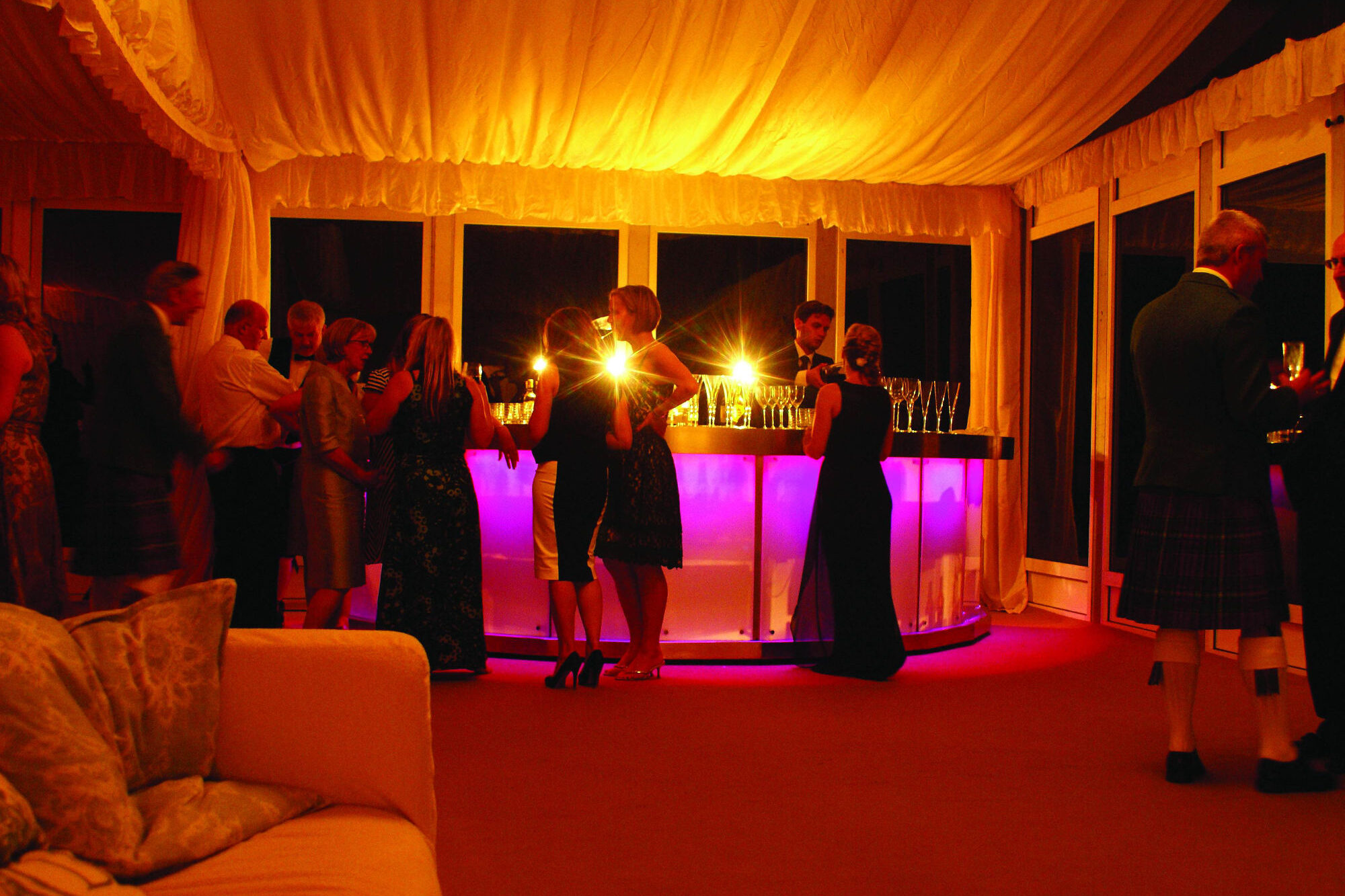 Private Hire - Illuminated LED semi-circular bar